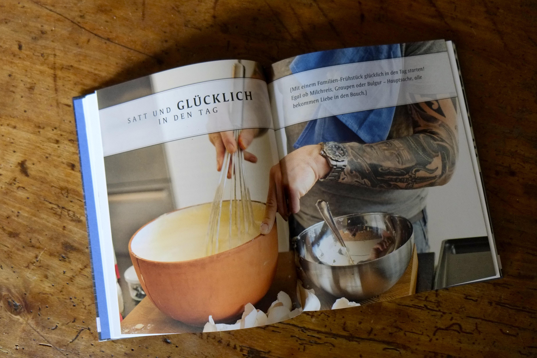 Das Kochbuch hat das Team von wohl-ergehen begeistert durch seine vielfältigen Rezepte.